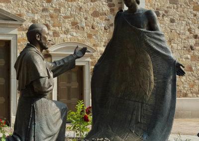 WI OLG Statue
